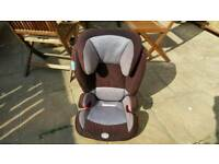 Evolva 2-3 S Pro Britax IsoFix Car Seat. Last stage seat can be used just as a base for older ones.