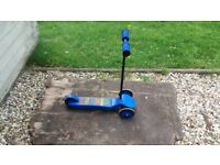 Blue Ozbozz 3-wheeled scooter for sale