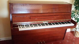 High gloss mahagony Steinmayer Piano