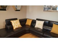 Magnificent black leather corner Sofa
