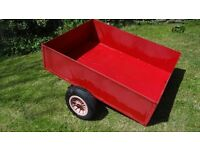 garden trailer like new hardly used ideal for towing round garden 4x3