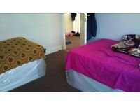 3 Bedroom Family house rent for £2000 in Hounslow East for max 2 Families