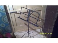 MUSIC STAND in BLACK , BRAND NEW , NEVER BEEN USED so in PERFECT CONDITION ++++