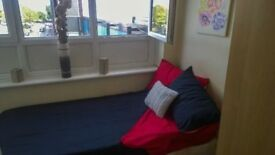 Wonderful Single room in Crossharbour (ZONE 2) East London
