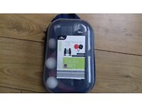 Table tennis set inc 2 x bats, 3 x balls, retractable net and carry case