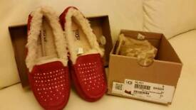 Ugg slippers. GENUINE. BOXED