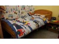 Junior/toddler bed with mattress