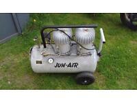 Silent air compressor 50l
