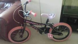 Girls Hello kitty bicycle. No stabilisers.