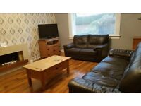 2 bedroom flat IMMACULATE CONDITION - AVAILABLE NOW