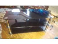 Sturdy black chrome tv stand i good condition