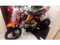ALMOST BRAND NEW 120CC STOMP PITBIKE