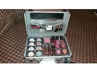 Colour cosmetic train case