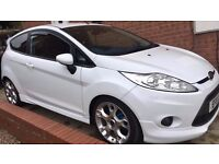 2011 FORD FIESTA ZETEC S 1.6. ONLY 37k MILES. LEATHER HEATED SEATS. REVERSE CAMERA. BLUETOOTH.