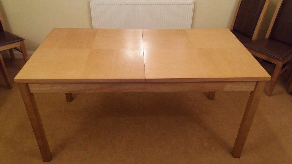 BRAND NEW EXTENDABLE DINING ROOM TABLE