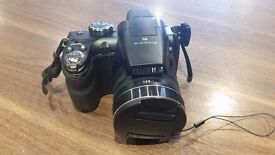 Fujifilm Finepix S4900 ( 14 MP,30 x Optical Zoom,3 -inch LCD )-Camera Only