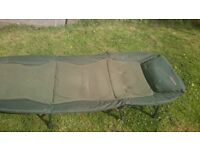 Carp fishing camping bed, 8 legs