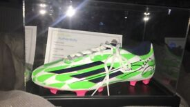 Left football boot sighned by Diego costa
