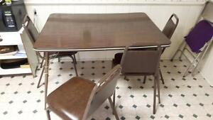 Retro kitchen table and 4 chairs $50 OBO