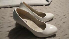 New Womens White Heels Size 7
