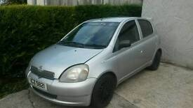 Toyota Yaris 01 ( breaking most parts available )