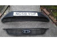 Focus mk2.5 2008 upper and lower grill