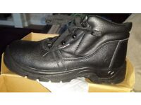 Mens new steel toe boots size 8 black