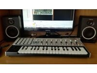 Korg Micro kontrol midi controller keyboard very good condition