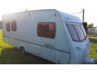 lunar zenith five 2005 5 berth light weight touring caravan bargain £4795