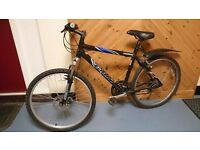 """giant mountain bike 26"""" wheel disks and shock on front shimano 21 speed gears in VGC £125 ono"""