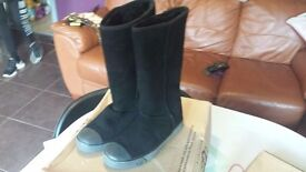Real ugg delaine in black size 4.5