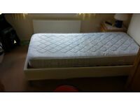 2 Single mattresses in excellent conditions