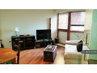 1 bedroom flat in Batsford House, London, SW19 (1 bed) (#1074961)