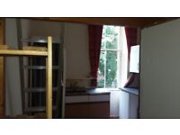 Bedsit room in West End with shower