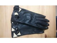Black ladies leather gloves