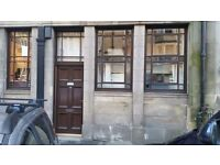 FULLY FURNISHED MODERNISED 3 BEDROOM MAIN DOOR FLAT IN BRUNTSFIELD / MORNINGSIDE AVAILABE NOW