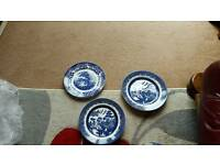 set three blue Churchill plates