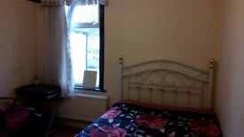 Large Double Room to share in a lovely house at High street North, Manor Park/Eastham.