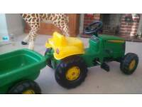 John Deere ride on tractor - excellent condition