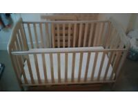 mamas and papas cot/bed 2 in 1 with mattress and sliding storage underneath