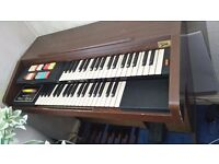 Hammond double key organ, plays beautifully