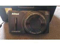 Nikon S9600 Compact WiFi Digital Camera