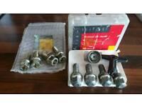 Renault meagane wheel locks