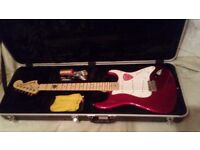 USA FENDER STRATOCASTER CANDY APPLE RED AS NEW IN HARD CASE NEVER GIGGED
