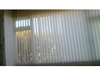 white vertical blinds in excellent condion liike new to fit to fit large bay window