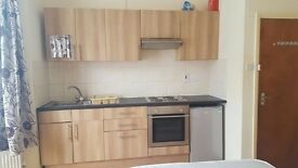 Self contained 1 room apartment to rent. very close to Turnpike lane. all bills inc £625.00
