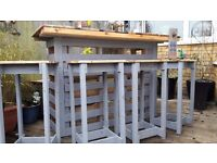 Garden pallet party bar and four bar stools
