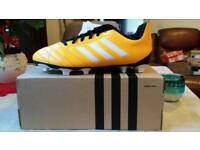 Nie with tags boys Adidas football shoes