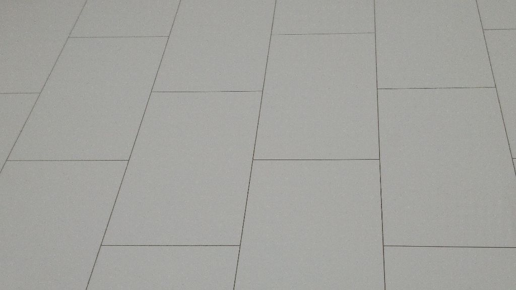 High Gloss White Laminate Flooring Panels 22 Sq M 113 Panels