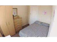 Beautiful Super Cheap Bedroom . 10 min to Baker Street ! jUbilee Line.